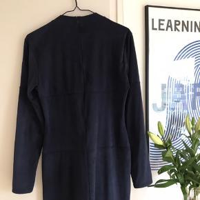 Kjole fra Mads Nørgaard sælges. Brugt 1 gang😊