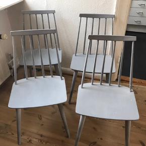 Farstrup 216 stole.  4 stk Fin stand, trænger til maling Ben skal byttes rundt da stolene vipper da jeg har fået dem flyttet til forkert ejermand.