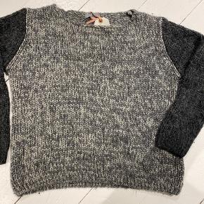 Monrow sweater