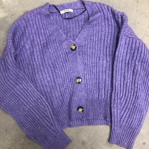 Chiquelle sweater