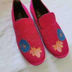 De smukkeste sko - kun brugt 1gang. Sælger kun, da jeg sparer sammen til større renovering af kolonihave 🌼🌸