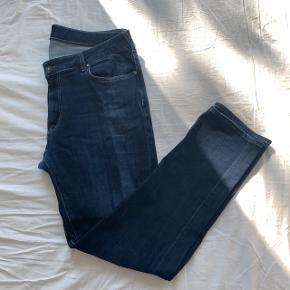 Mørkeblå jeans Str. 38/32 Brugt men i god stand