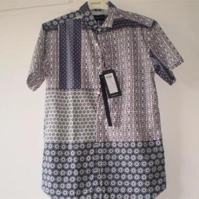 Super lækker skjorte.  Aldrig brugt  Butikspris 499