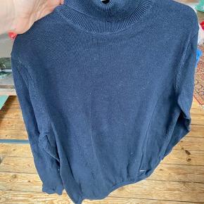 Zara bluse 140  -fast pris -køb 4 annoncer og den billigste er gratis - kan afhentes på Mimersgade 111 - sender gerne hvis du betaler Porto - mødes ikke andre steder - bytter ikke