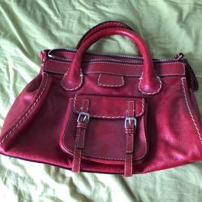 Rød chloe taske. Brugt enkelte gange, ligget mange år i skabet