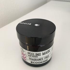 50 ml ny og uåbnet peeling mask, parfumefri.