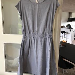 Grobund kjole
