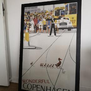 """Den ikoniske plakat fra """"wonderful Copenhagen"""" til salg. Det er et stort billede. Se mål. Den sorte ramme medfølger. Som nyt. Har hængt i et røgfri hjem.  Nypris 1000kr Afhentes i Fredericia eller Vonsild"""