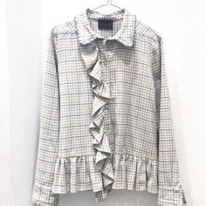 Skjorte fra Birgitte Herskind i lækkert blødt materiale :-)