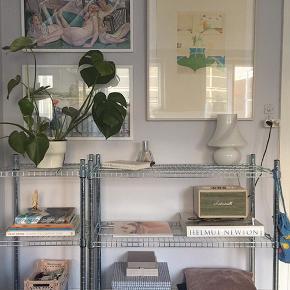 Ikea reol Omar Størrelse: 92x36x94 Farve: Sølv Oprindelige pris: 279 kr.  Vejer ikke særlig meget  Kan afhentes på Frederiksberg inden d. 1/6  Billederne er lånt