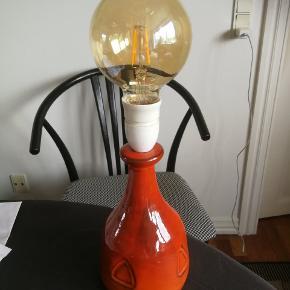 Skøn keramik lampe. Krogslund Danmark. Sælges uden pære