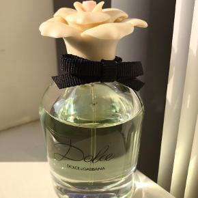 Dolce & Gabbana Dolce Eau de Parfum 50 ml. Brugt noget af den men flasken fremstår uden skader.