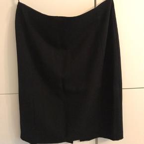 En nederdel brugt en enkelt gang, i perfekt stand.