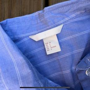 Smart skjorte fra H&M nypris 179kr 🤩  Aldrig brugt 🌸