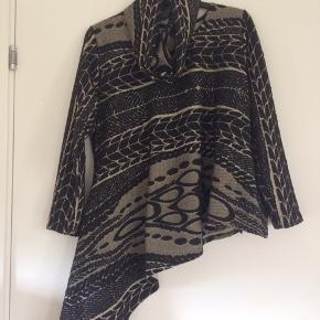 Ka Mill unique clothing flot oversize tunika/poncho med tilhørende halstørklæde