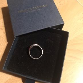Sød ring i sølv 925 fra Pernille Corydon Indvendig diameter : næsten 1,9 cm Stemplet 925 PCO
