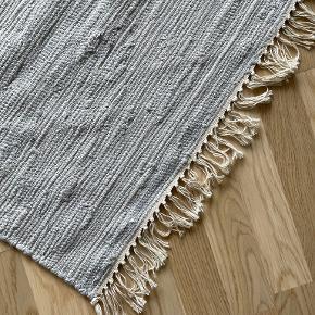 H&M gulvtæppe