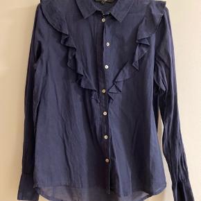 Fin let skjorte, kun brugt 1 enkelt gang ☺️