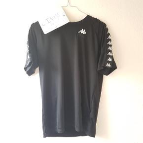 Kappa x gosha sports t-shirt Cond: 9 Str small, fitter 160-170 Køb nu til 295 kr