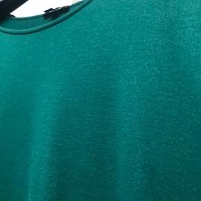 Smuk lidt oversized bluse i lækker blød kvalitet  #30dayssellout