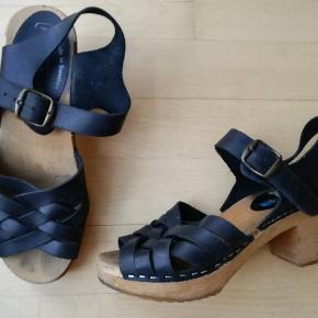 Brand: Moheda Made in Sweden Sandaler lavet af læder og træ Træsko Træsandaler med hæl