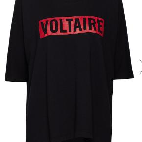 Super lækker bluse i sweatshirt-stof.  Aldrig brugt kun vasket ved køb. Jeg har givet 1.120 kr. for den, så min mp er 500 kr.  Kan sendes med Dao for 39 kr. eller afhentes i Århus C.