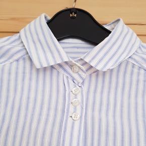 Smuk Massimo Dutti skjorte. Passer xs - en lille small