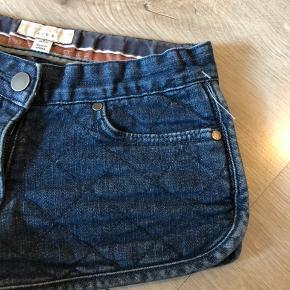 Bytter ikke og prisen er fast Talje:27 cm*2 kan reguleres med elastik Længde: 21,5 cm Shorts