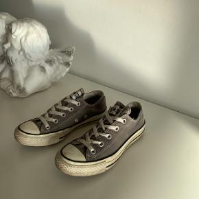All start sneakers  Skal bare lige pudses så de så gode som nye.   I sort og hvid    #30dayssellout #trendsalesfund