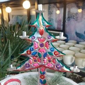 Farverig juletræ /julestage/lysestage med mange farver. Lilla. Pink. Grøn. Sølv mm