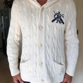 Cable knit cardigan fra Polo Ralph Lauren.  Brugt lidt men fejler absolut intet.  Byttes ikke.