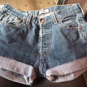 #30dayssellout str. 30 Nye Levi's shorts: Levi's original 501  nypris 549 kr sælges for 180 kr