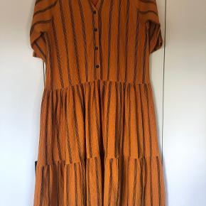 Costbart kjole