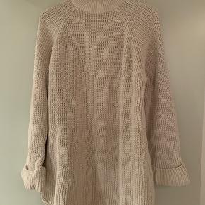 Cool strik fra Gina Tricot, kan nemt bruges af en str xs-s som Oversized strikkjole! Byd