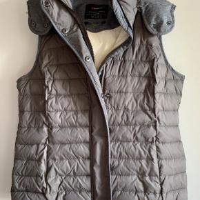 Street One vest
