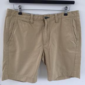 Varetype: Shorts Størrelse: 34.     Farve: Khaki Oprindelig købspris: 599 kr.
