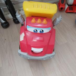 Bil med lyd og bevægelse