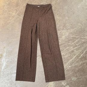 Vidde bukser fra H&M i str. 38 🌷  Nypris: 400 kroner 💸