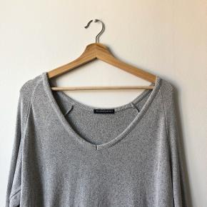 Brandy Melville sweater in excellent condition, bought in California. Extremely soft and comfortable. Check out my other items for a bundle discount!
