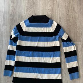 Arket sweater