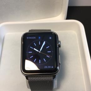 Applewatch brugt en enkelt gang nypris 7500kr står som ny ingen tegn på brug. 2. Generation 42mm