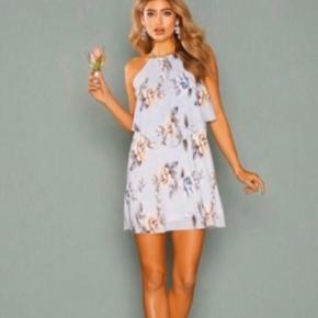 Sød kjole fra Nelly i str 38. Aldrig brugt :)