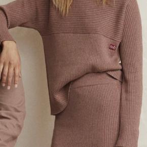 Esmé Studios Sweater