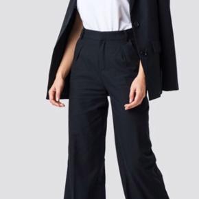 Sorte bukser fra NAKD