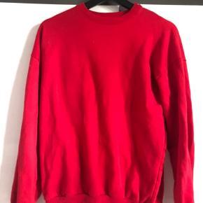 Blød sweatshirt fra stradivarius i str S.