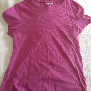 Basic t-shirt i fuchsia fra & other stories