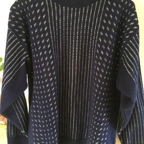 Vintage sweater. Svarer til en str S/m.