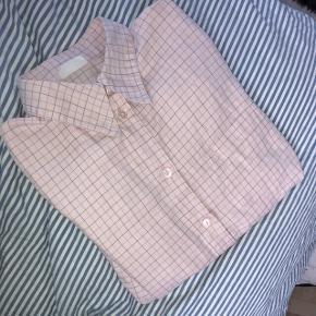 Lækker lyserød skjorte fra Elton. Str small. Købt på trendsales men står i rigtig god stand!