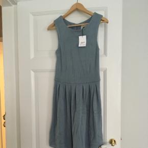 Ganni blå kjole