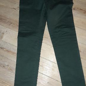 Groenne Chinos fra Samsoe (model Brady). Bukserne er en str 31.